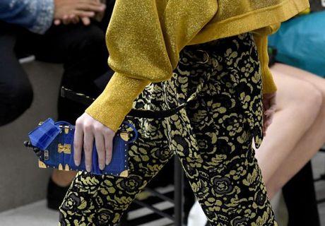 Do hieu Louis Vuitton, gio phai dung case dien thoai moi la chat! - Anh 5