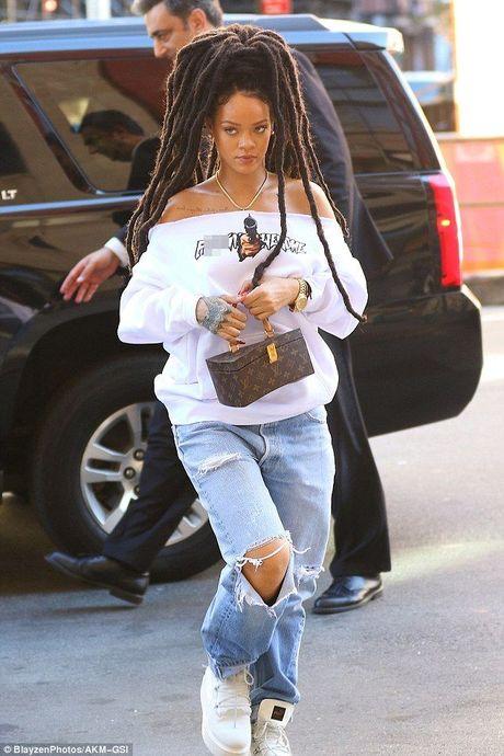 Quyet dinh de mai toc dreadlocks, hinh nhu Rihanna… hoi fail - Anh 1