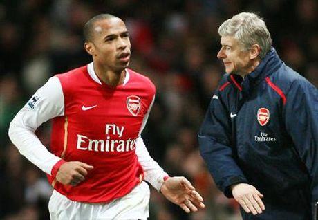 Huyen thoai Arsenal ung ho Henry ke vi HLV Wenger - Anh 1