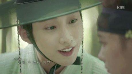 Xu huong phim Han mua thu: Chuyen tinh '2 chang 1 nang' chiem song - Anh 23