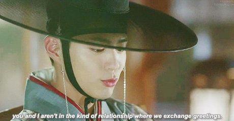Xu huong phim Han mua thu: Chuyen tinh '2 chang 1 nang' chiem song - Anh 24