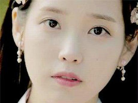 Xu huong phim Han mua thu: Chuyen tinh '2 chang 1 nang' chiem song - Anh 26