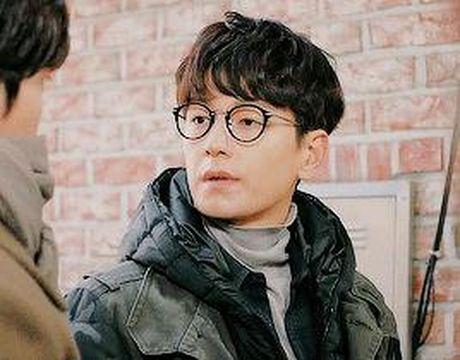 Xu huong phim Han mua thu: Chuyen tinh '2 chang 1 nang' chiem song - Anh 5