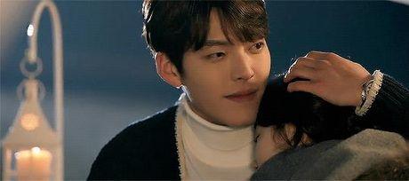 Xu huong phim Han mua thu: Chuyen tinh '2 chang 1 nang' chiem song - Anh 6