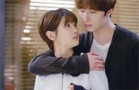 Xu huong phim Han mua thu: Chuyen tinh '2 chang 1 nang' chiem song - Anh 9