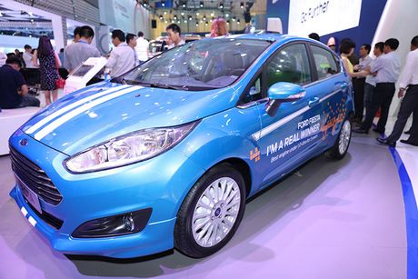 Chiem nguong gia dinh dong co EcoBoost cua Ford tai Trien lam O to Viet Nam 2016 - Anh 2