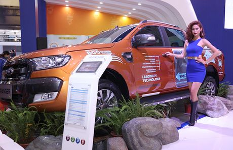 Chiem nguong gia dinh dong co EcoBoost cua Ford tai Trien lam O to Viet Nam 2016 - Anh 5