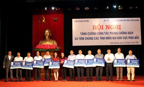 Phat dong Sua hoc duong tai tinh Tuyen Quang - Anh 2