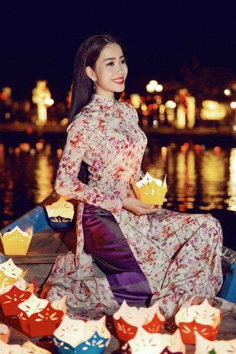 Nam Em len duong thi Hoa hau Trai dat - Anh 13
