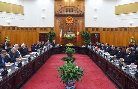 Thu tuong Nguyen Xuan Phuc hoi kien voi Tong thong Iran - Anh 2