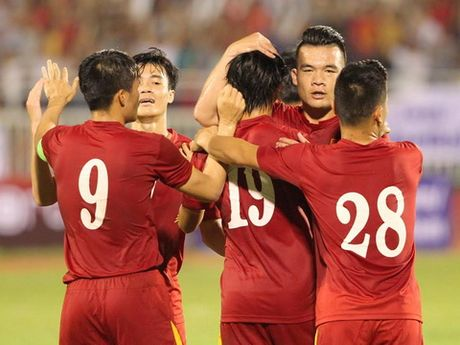 Tuyen Viet Nam sang bung hy vong truoc AFF Cup nho 'chat' HA.GL - Anh 1