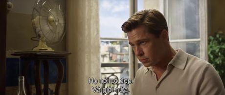 "Fan cua Angelina Jolie se ""tuc dien"" khi xem canh Brad Pitt om ap ""tinh tin don"" - Anh 3"