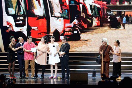 Xuan Hinh 'choc' khan gia cuoi nghieng nga trong liveshow de doi - Anh 12