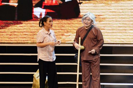 Xuan Hinh 'choc' khan gia cuoi nghieng nga trong liveshow de doi - Anh 13