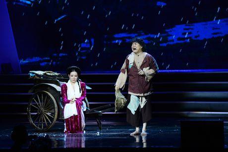 Xuan Hinh 'choc' khan gia cuoi nghieng nga trong liveshow de doi - Anh 6