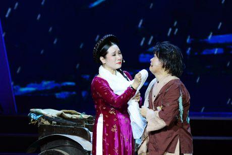 Xuan Hinh 'choc' khan gia cuoi nghieng nga trong liveshow de doi - Anh 7