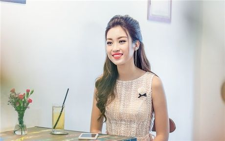 Hoa hau Do My Linh: 'Khong phai dai gia nao cung xau' - Anh 1