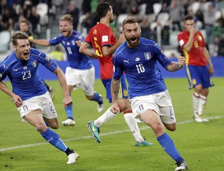 Buffon hoa toi do, Italia suyt that thu truoc Tay Ban Nha - Anh 5