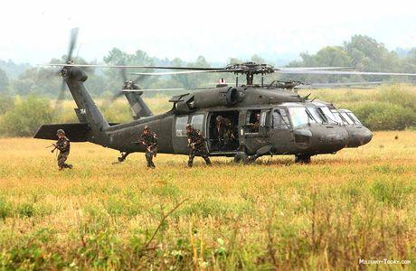 'Phat hoang' chung loai truc thang cua Quan doi Thai Lan - Anh 11