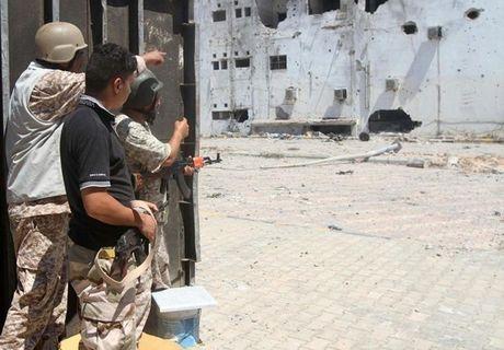 Muc kich quan doi Libya giao tranh ac liet phien quan IS - Anh 4