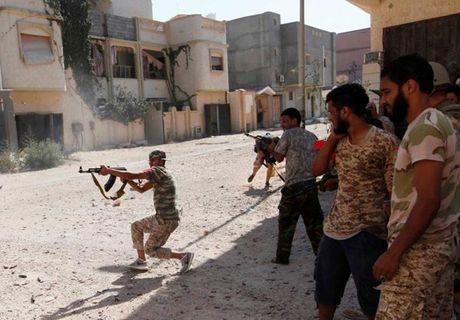 Muc kich quan doi Libya giao tranh ac liet phien quan IS - Anh 5