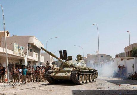 Muc kich quan doi Libya giao tranh ac liet phien quan IS - Anh 7