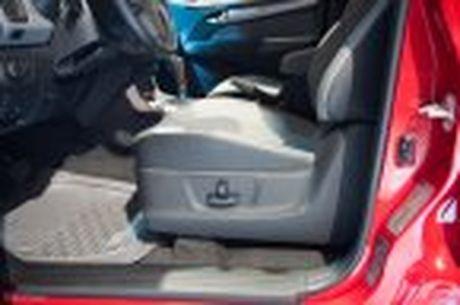 Chevrolet ra mat Colorado 2017, bo sung cong nghe, 5 phien ban, gia tu 619 trieu - Anh 15
