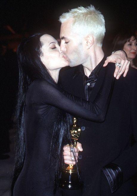 Anh trai Angelina Jolie the chan Brad Pitt? - Anh 1