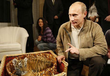 Tong thong Putin don sinh nhat lan thu 64 ra sao? - Anh 8