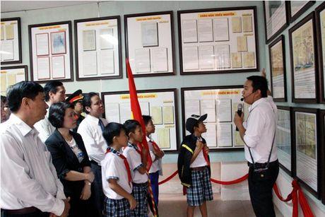 Quang Tri: Trien lam luu dong Hoang Sa, Truong Sa cua Viet Nam - Anh 1