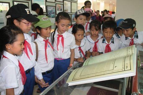 Quang Tri: Trien lam luu dong Hoang Sa, Truong Sa cua Viet Nam - Anh 3