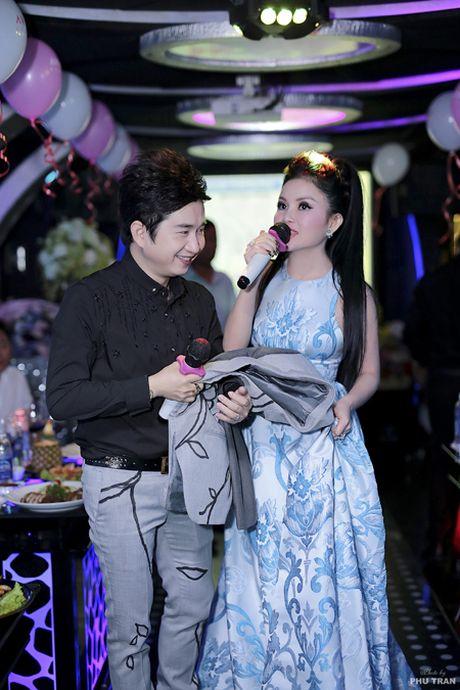 Sao Viet hoi ngo mung sinh nhat Janny Thuy Tran - Anh 6