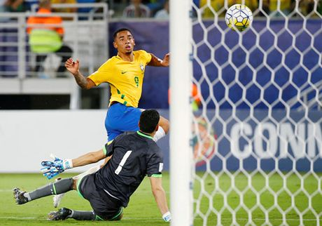 vong loai World Cup 2018: Brazil 5-0 Bolivia - Anh 1