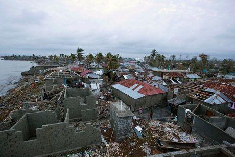 Sieu bao Matthew lam gan 300 nguoi chet o Haiti, ong Obama ban bo tinh trang khan cap tai My - Anh 2