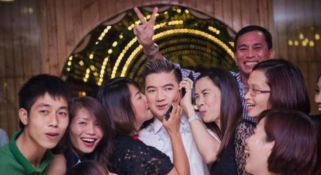Dam Vinh Hung: 'Ong vua' khong ngai chang ai co the soan ngoi - Anh 3