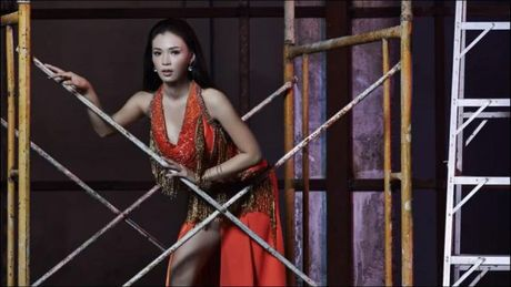 Fan Viet bat ngo tim ra 'ban sao sieu loi' cua The Face den tu… Lao - Anh 9