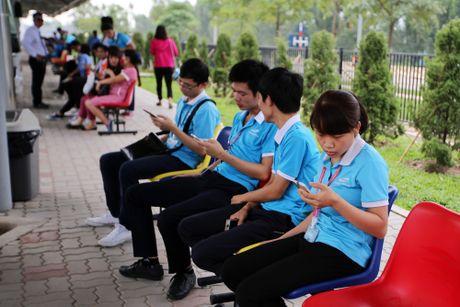 Bloomberg: Samsung giup nong dan Viet kiem nhieu tien hon nha moi gioi chung khoan - Anh 4