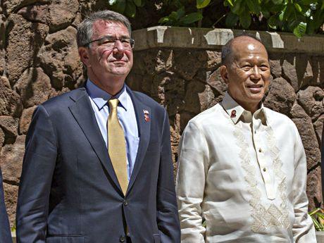 Bo truong Philippines: Quan doi co the tu than van dong, khong can My - Anh 1
