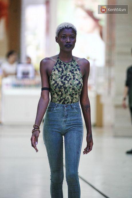 Vietnam International Fashion Week ruc rich tuyen mau, chuan bi to chuc tai Ha Noi - Anh 18