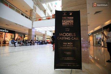 Vietnam International Fashion Week ruc rich tuyen mau, chuan bi to chuc tai Ha Noi - Anh 1