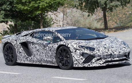 Lamborghini Aventador 2018 lo dien tren duong thu - Anh 2