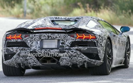 Lamborghini Aventador 2018 lo dien tren duong thu - Anh 3