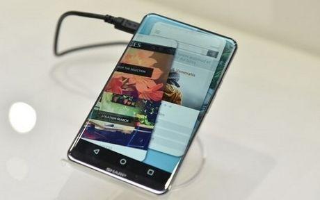 Sharp trinh lang ban concept smartphone Sharp Corner R: man hinh cong khong vien 5.2 inch - Anh 1