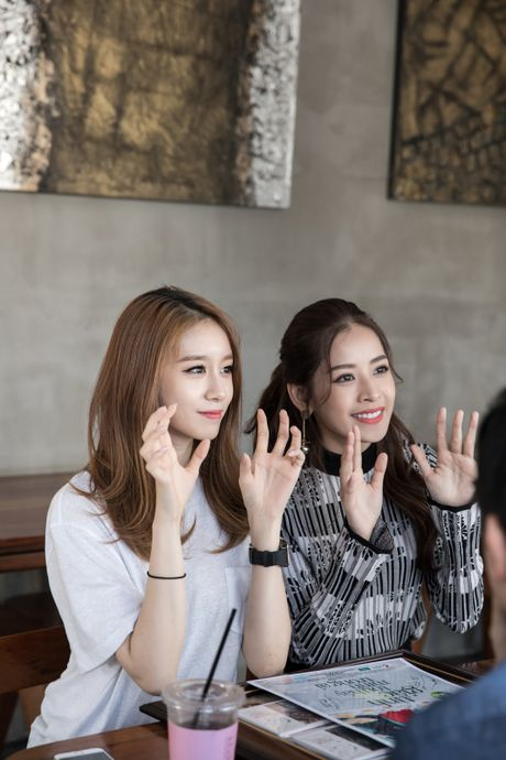 Chi Pu ru Ji-yeon (T-ara) livestream hen ho fan - Anh 10