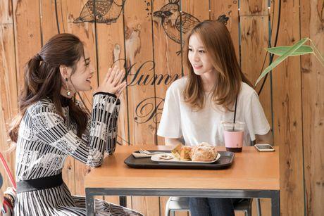 Chi Pu ru Ji-yeon (T-ara) livestream hen ho fan - Anh 1