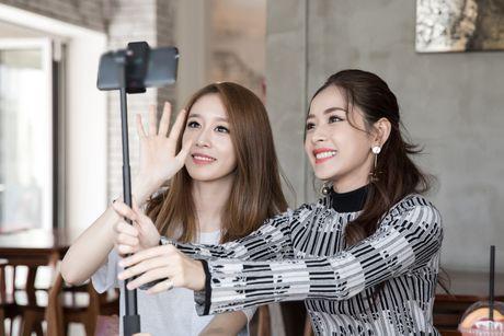 Chi Pu ru Ji-yeon (T-ara) livestream hen ho fan - Anh 2