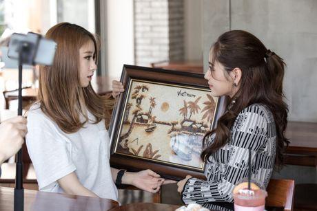 Chi Pu ru Ji-yeon (T-ara) livestream hen ho fan - Anh 3