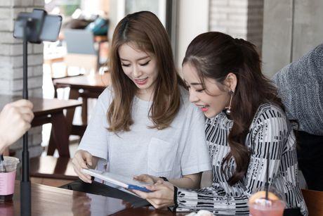Chi Pu ru Ji-yeon (T-ara) livestream hen ho fan - Anh 6