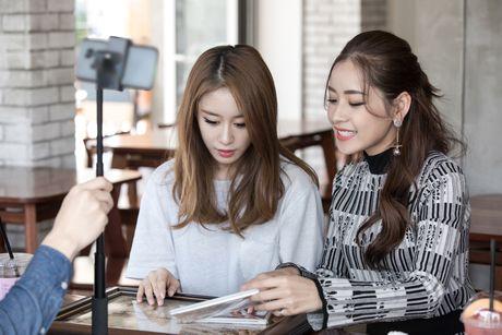 Chi Pu ru Ji-yeon (T-ara) livestream hen ho fan - Anh 7