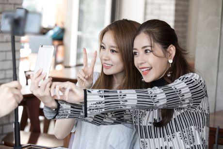 Chi Pu ru Ji-yeon (T-ara) livestream hen ho fan - Anh 9